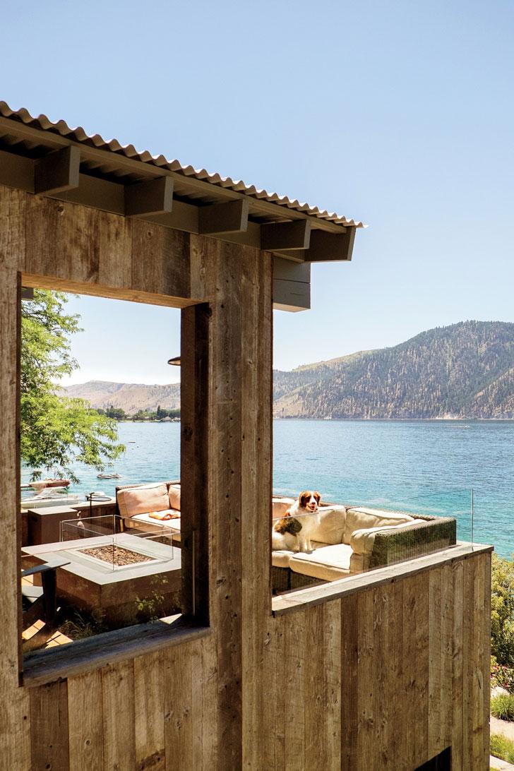 Вид на озеро из дома мечты