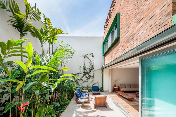 Дом в с внутренним двориком