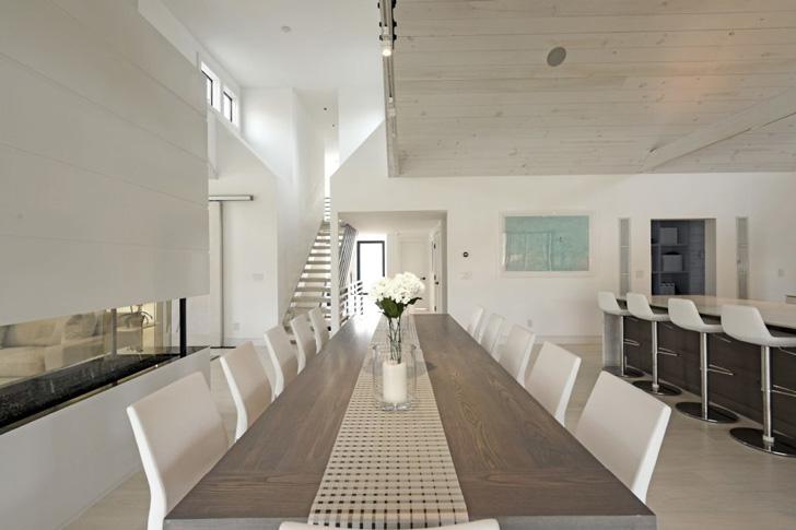 Стильный дом в белых тонах