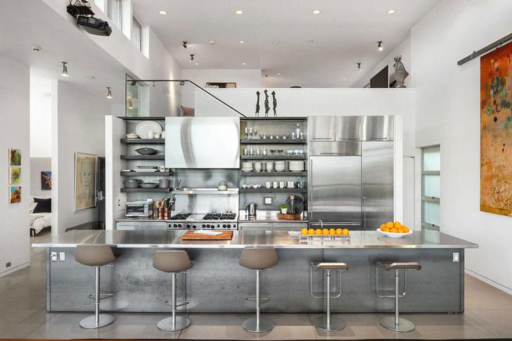 Металлическая кухня