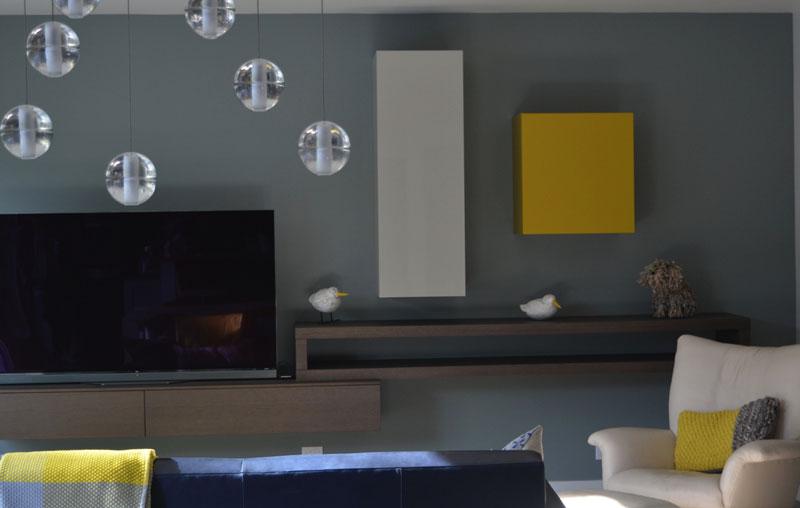 Синие и желтые оттенки в интерьере